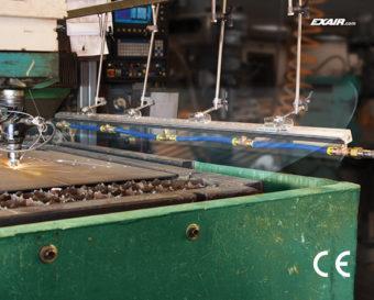 Nowa jednoczęściowa konstrukcja zapewnia jednolity strumień powietrza i eliminuje łączenie wielu krótkich noży powietrznych razem.