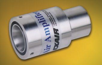 Specjalny wzmacniacz przepływu powietrza działa jako urządzenie wspomagające systemu odpylającego. Rowek po stronie ssawnej pozwala na pewne zamocowanie do rury wlotowej istniejącego odpylacza.