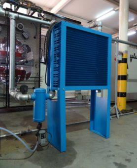 Chłodnica sprężonego powietrza z odwadniaczem cyklonowym i spustem kondensatu