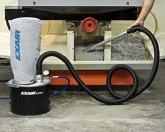 Mini odkurzacz do wiórów EXAIR zapewnia tą samą moc czyszczenia do mniejszych prac.