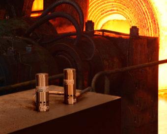 Podwójne chłodnice szaf sterowniczych do wysokich temperatur czyszczą i chłodzą przegrzane tablice sterownicze w trudnych warunkach środowiskowych o temperaturze do 93°C.