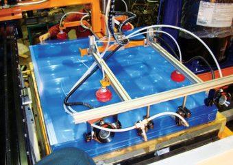 Działa jonizujące model 8192 zapewniają usuwanie ładunków elektrostatycznych znajdujących się pomiędzy soczewkami paneli słonecznych, aby wspomóc oddzielanie soczewek podczas produkcji.