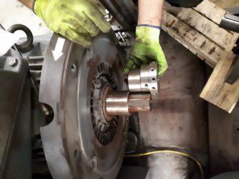 Wymiana sprzęgła w sprężarce śrubowej