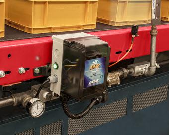 Elektroniczny sterownik przepływu powietrza otwiera elektrozawór sprężonego powietrza