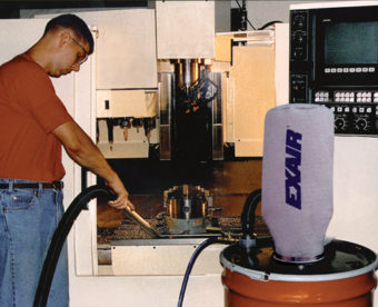 Odkurzacz pneumatyczny idealnie sprawdza się w utrzymaniu czystości w centrach obróbczych CNC