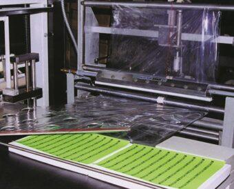 Czyszczenie arkuszy folii przed drukowaniem