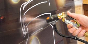 Pistolet jonizujący stanowi precyzyjne narzędzie do ręcznej neutralizacji ładunków elektrostatycznych